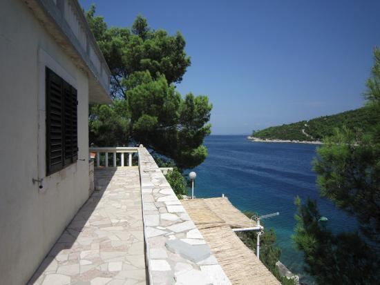 Island of Vis, Kroatië: View on the bay