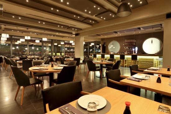 Oceano Seafood & Sushi Bar