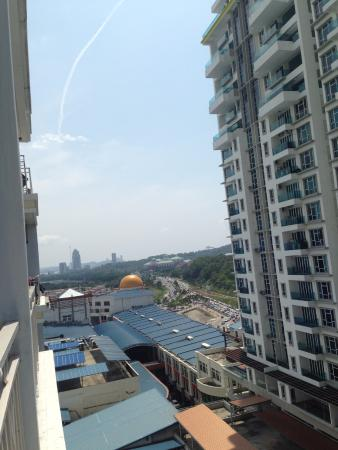 1 Borneo Tower B Service Apartments