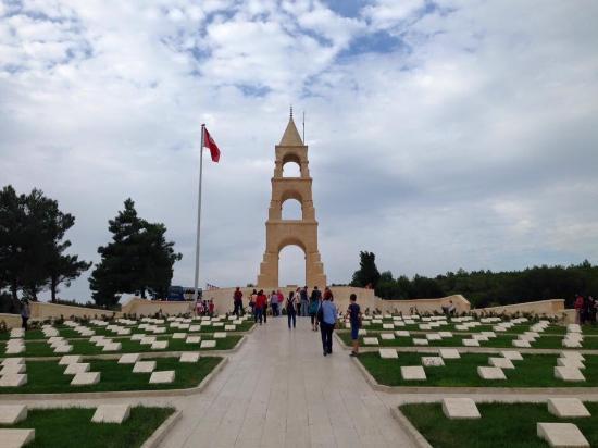 Şehitler anıtı - Picture of Canakkale Sehitleri Aniti ...