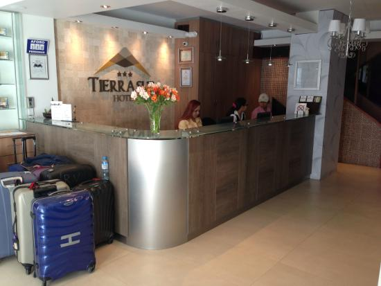 Tierrasur Hotel : Resepsjonen