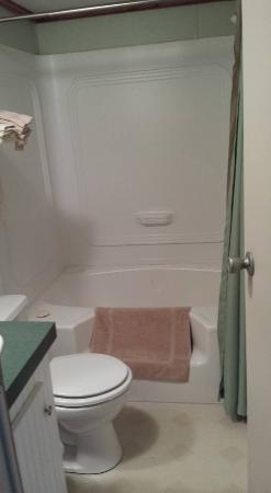 Hodgen, OK: Bathroom