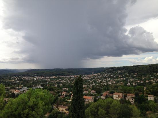 Saint-Paul de Vence: Дождливый день