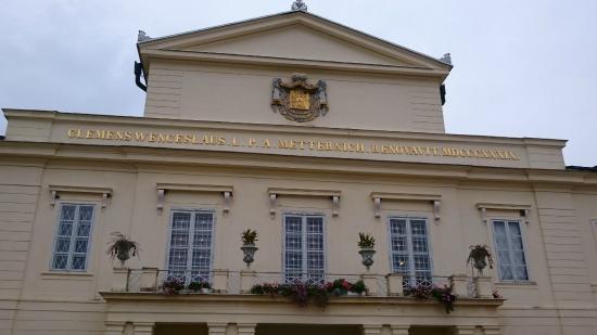 Lázne Kynzvart, República Checa: Фасад замка- дворца