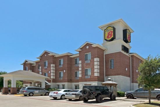 Super 8 Austin/Airport South: Hotel Exterior