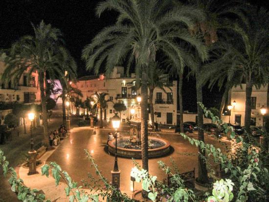 foto de el jardin del califa vejer de la frontera plaza