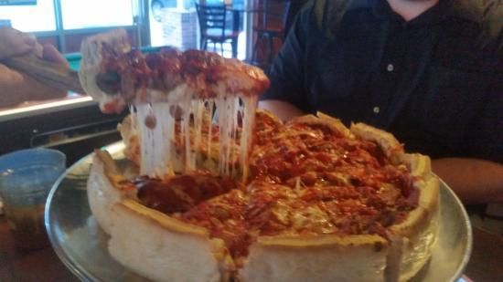 Bixby, Oklahoma: Savastano's deep dish pizza