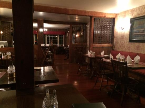Hopkins Inn Restaurant: New Preston, Old World