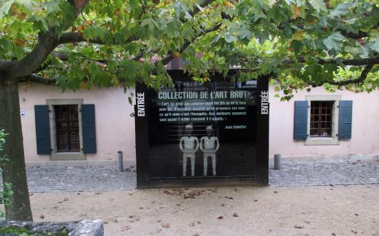 Collection de l'art brut : The entrance to the Collection