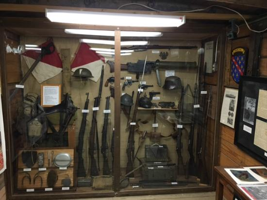 WWII Weapons and Other German Relics - Picture of U S  Veterans