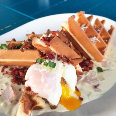 Hashme: Waffle Carbonara with Egg