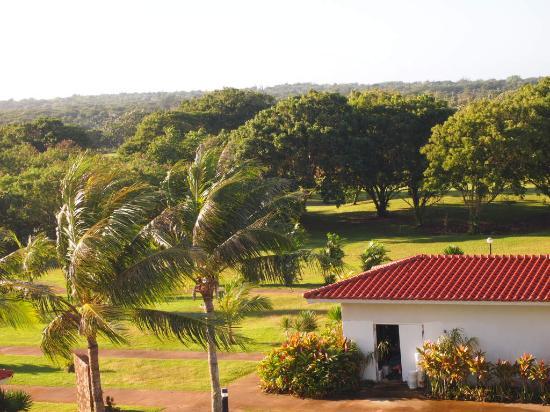 Starts Guam Golf Resort: 隣接するゴルフ場