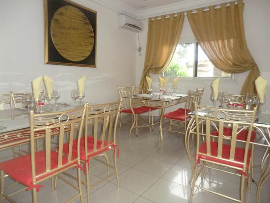 LEET DORIAN HOTEL ( 107€ la nuitée) : Salle de Resto