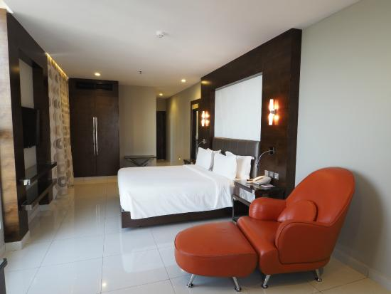Harbour View Suites: Upper storey superior room