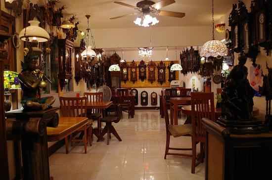 Clocks Antiques Furnitures Sculptures Display In The Restaurant