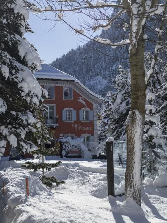 Hotel Steinbock: Aussenansicht Winter