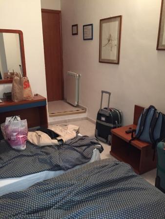 Hotel Charter: Room entrance