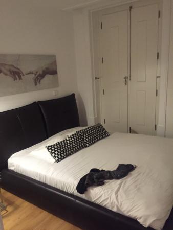 Lisbon Serviced Apartments - Baixa Chiado : Bedroom in 4:1