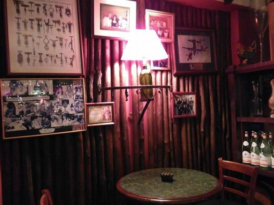 chez papa interior picture of chez papa french bistro and wine bar johor bahru tripadvisor. Black Bedroom Furniture Sets. Home Design Ideas