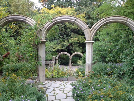 Garden arches in the Cleveland Botanical Gardens - Picture of ...