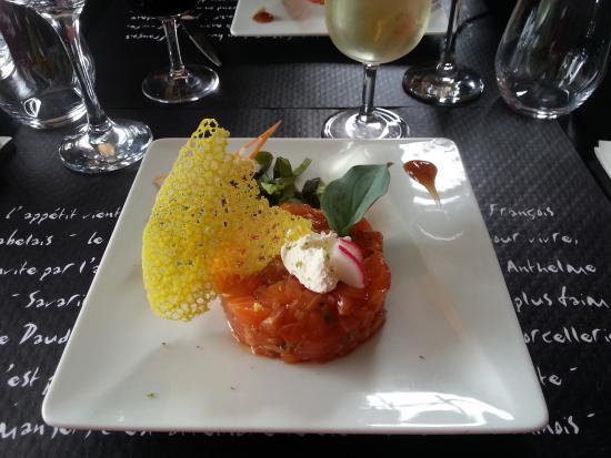 Saint-Aubin-de-Luigné, France : Tartare de saumon