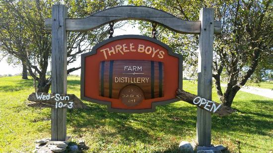 ‪Three Boys Farm Distillery‬