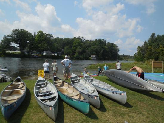 Oscoda, MI: Many choice for canoes or kayaks