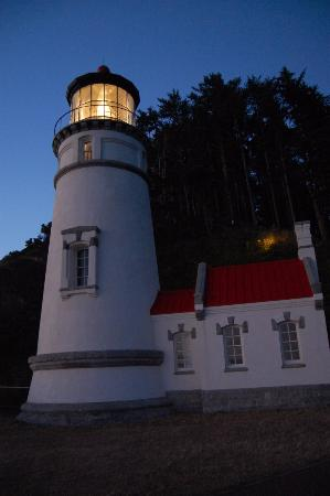Heceta Head Lighthouse Bed and Breakfast: Heceta Light