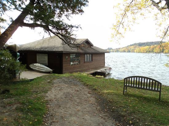 picture of cedar grove lodge huntsville. Black Bedroom Furniture Sets. Home Design Ideas