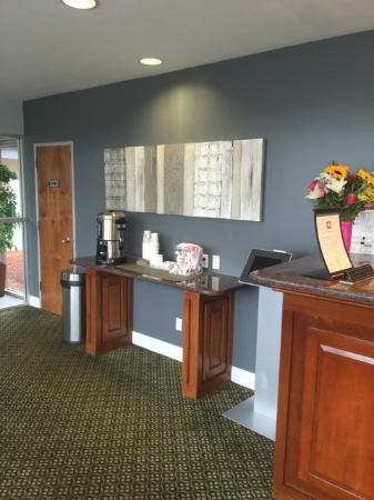 Magnuson Hotel Framingham : Lobby