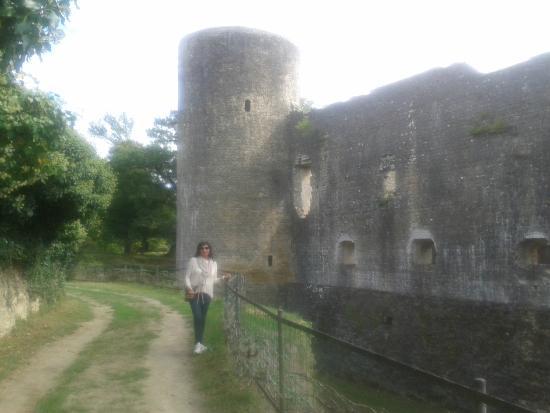 Villandraut, Frankrijk: vue extérieure