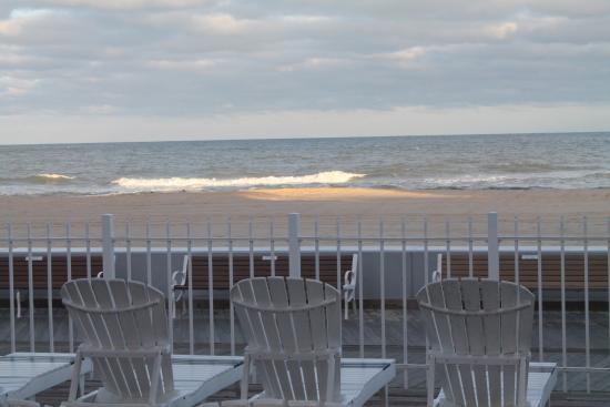 Comfort Inn Boardwalk: Ocean View from room 105