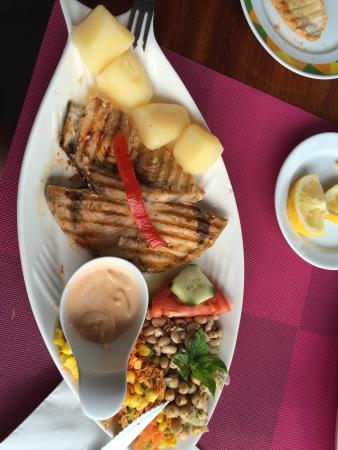 Agua de Pau, البرتغال: Schwertfischplatte für nur 10,50 €. Tolles Preis-/Leistungsverhältnis