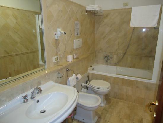 Il Gattopardo Relais: Banheiro privativo