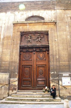 Paris, Frankrike: Entrée de l'Eglise Saint Louis en l'Ile