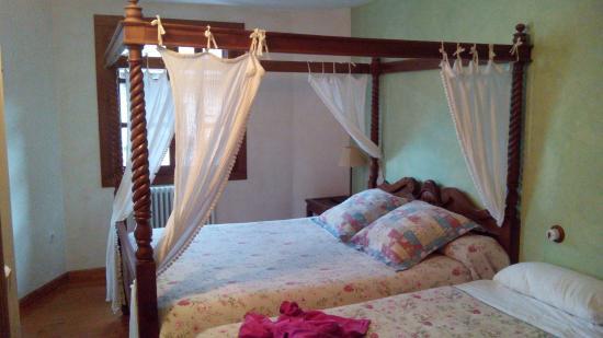 Hostal Apartamentos Onki Xin : Habitación
