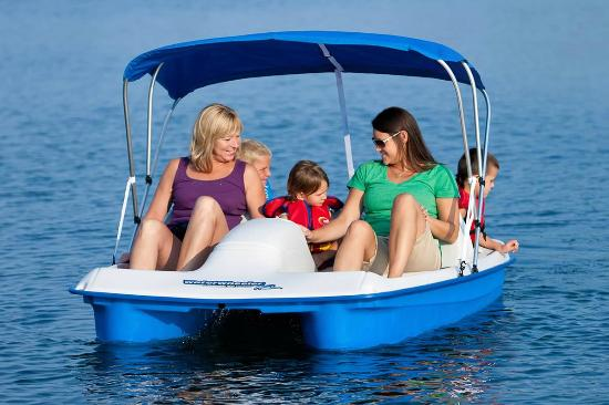 Clarkston, WA: Paddle Boats for the whole family to enjoy