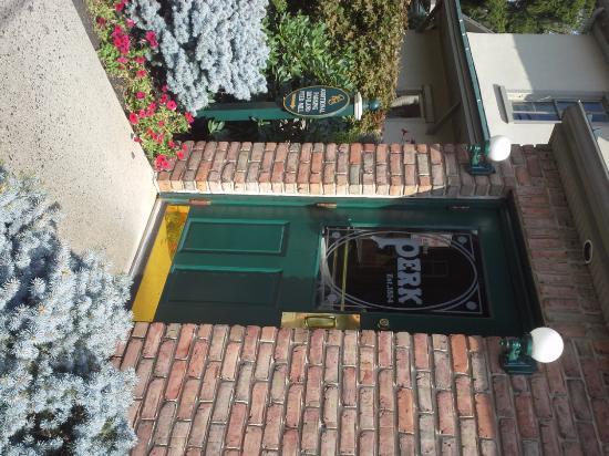 The Perk : entrance