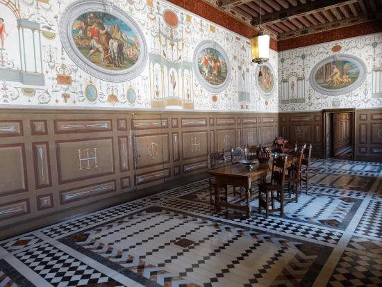 Ancy-le-Franc, Francia: Salão interno - privado.