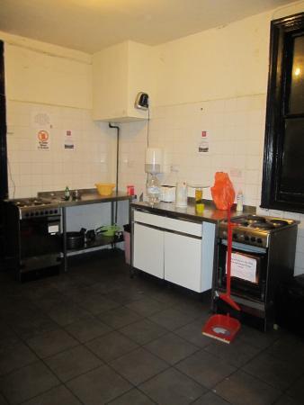 No.8 Hostel Willesden: Cucina dell ostello pt.2