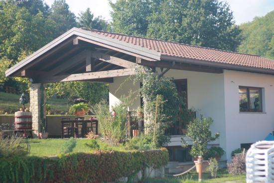 Agriturismo Nonna Du: Restaurant and garden