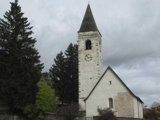 Reformierte Kirche Lavin: The church