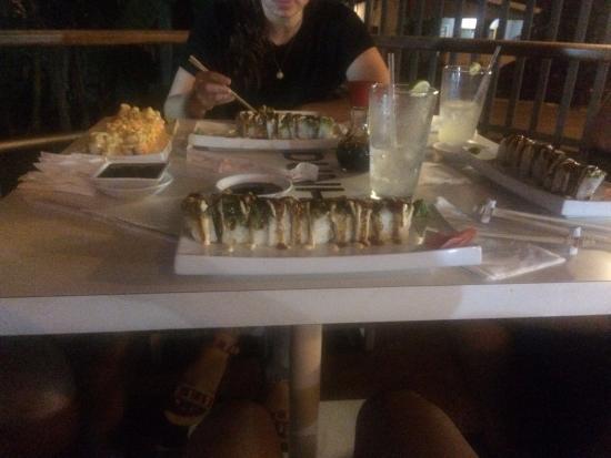 SAKE SUSHI BAR: Sushi Rolls