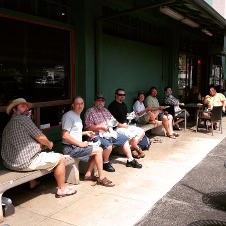 Andy's Sandwiches & Smoothies: When Andy's is full, eat at the bus stop.