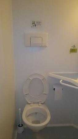 Hotel Le Champagne: Туалет