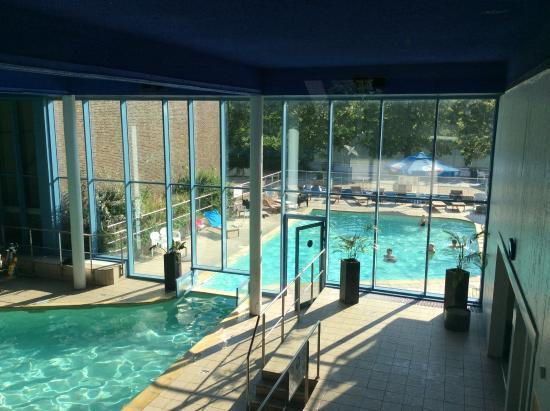 la piscine int rieure et ext rieure avant les travaux photo de hampton 39 s hotel wepion. Black Bedroom Furniture Sets. Home Design Ideas