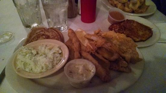 Best fish fry ever review of olde mill inn richfield for Friday night fish fry near me