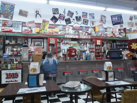 Pine River, MN: Ole and Lena's Sweet Revenge - Soda fountain counter