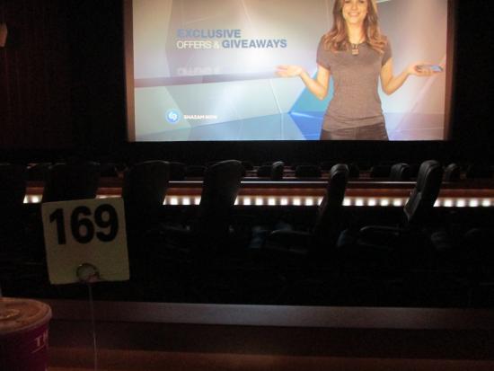 Movie Tavern: Seating area