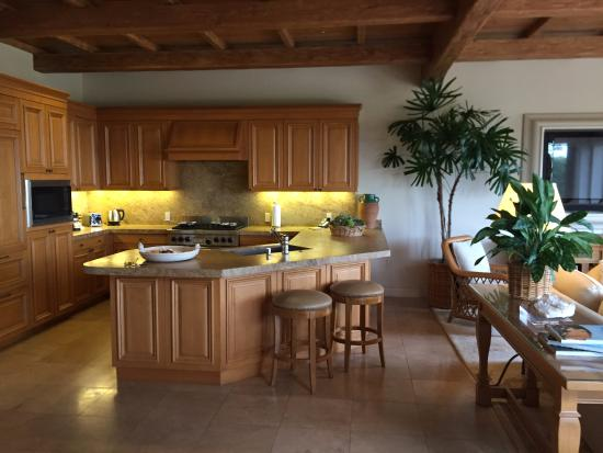 The Resort At Pelican Hill Kitchen In 4 Bedroom Villa